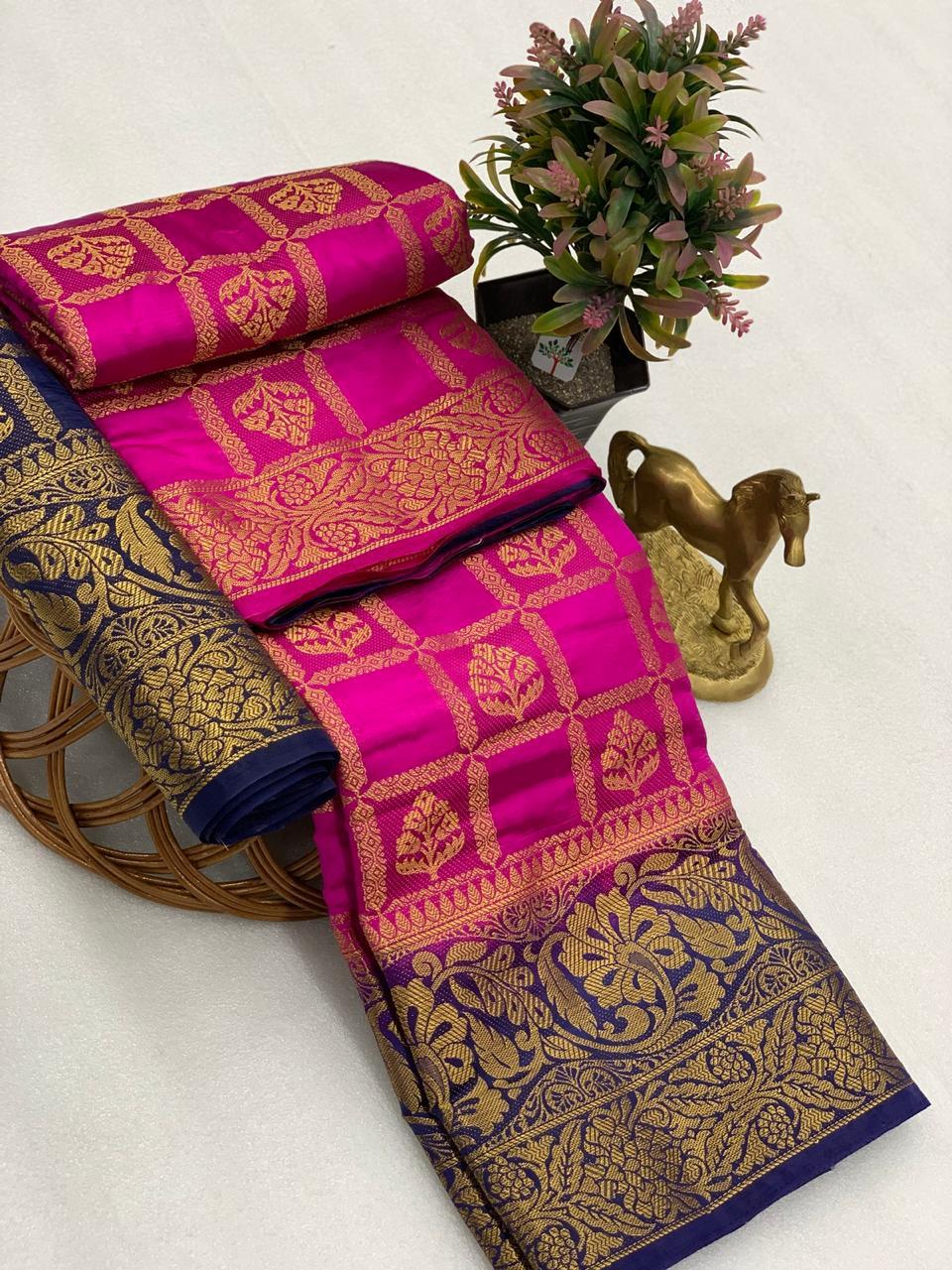 Thankar Kk-004 Wedding And Festive Silk Saree Wear Catalog at Wholesale rate