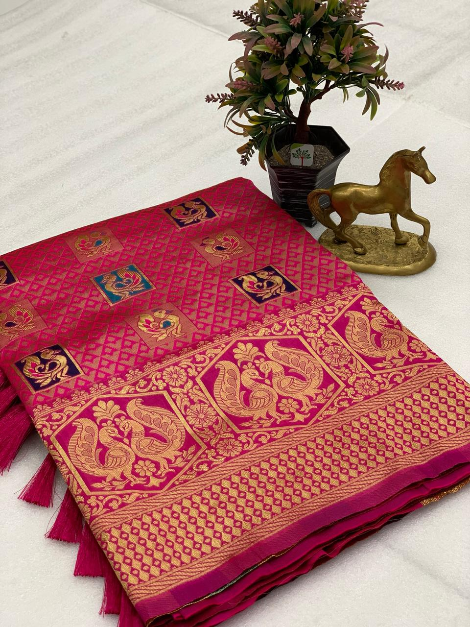 Thankar Kesri Wedding Pure Heavy Banarasi Saree Catalog at Wholesale rate